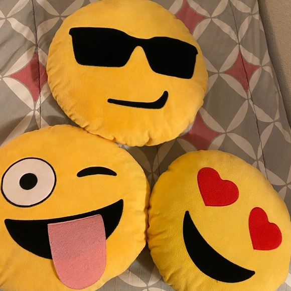 Need gone⚠️Emoji pillows 😎😜😍*ALL FOR ONE PRICE*